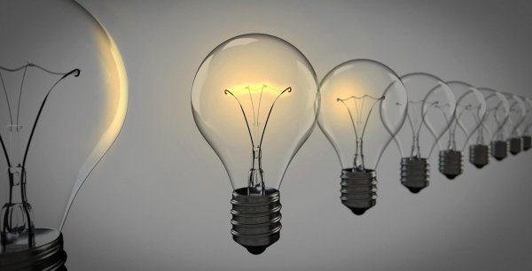 light-bulbs-1875384_1920